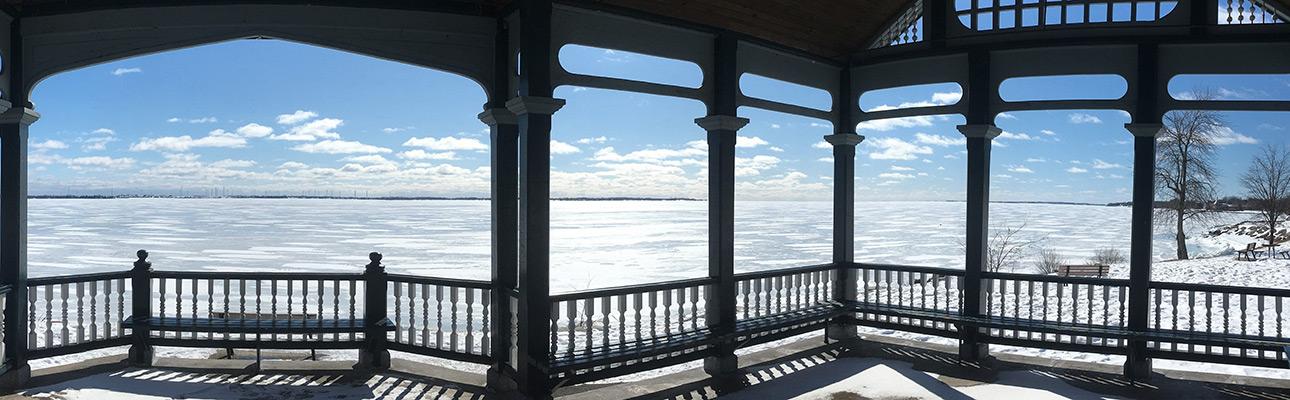 [photo of Lake Ontario by Hongling Li]