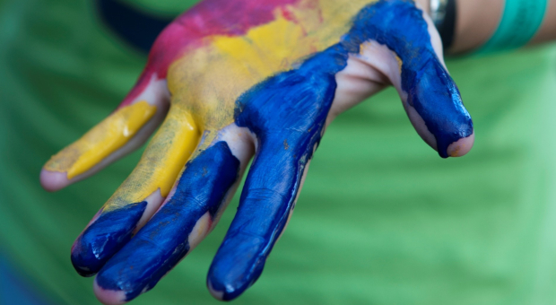 Tricolour painted hand