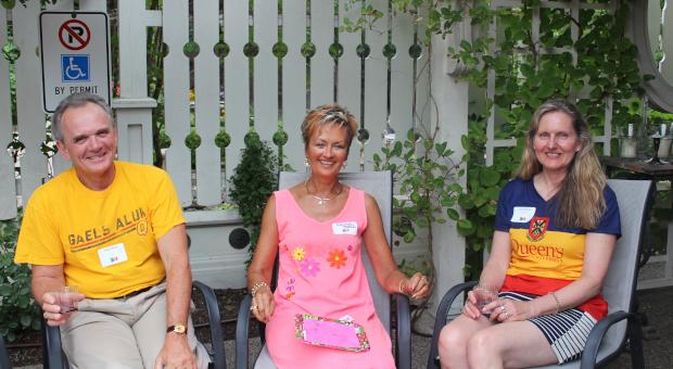 Alumni at garden party