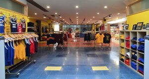 Queen's Alumni Merchandise