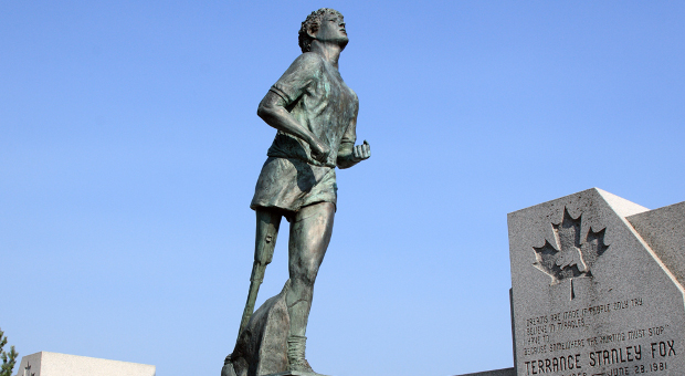 Terry Fox statue in Thunder Bay, Ontario