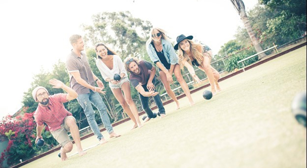 Picture of people lawn bowling