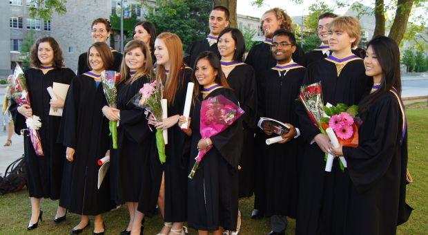 Charlotte Blinston & other Cmp12 grads at convocation