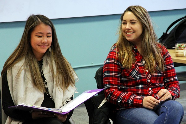 Students introduce themselves in Anishinaabemowin to start each class. (University Communications)