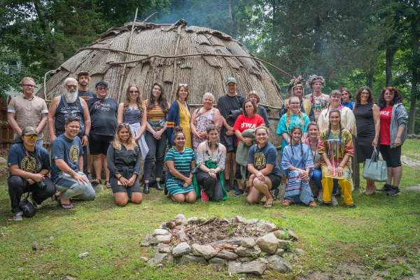 2018 Matariki Dartmouth group visiting Tantaquidgeon Museum at Mohegan Nation