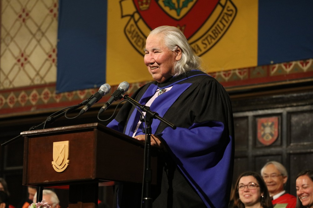 Photograph of The Honourable Murray Sinclair receiving an honorary doctorate from Queen's in 2019.