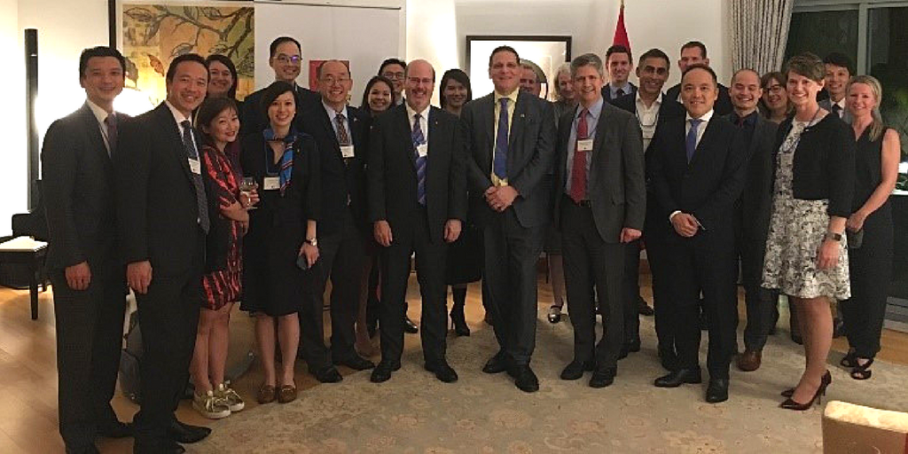 [Alumni and Queen's leaders gather in Hong Kong (Photo: Liz Gorman)]