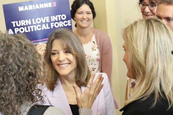 Democratic presidential candidate and author Marianne Williamson