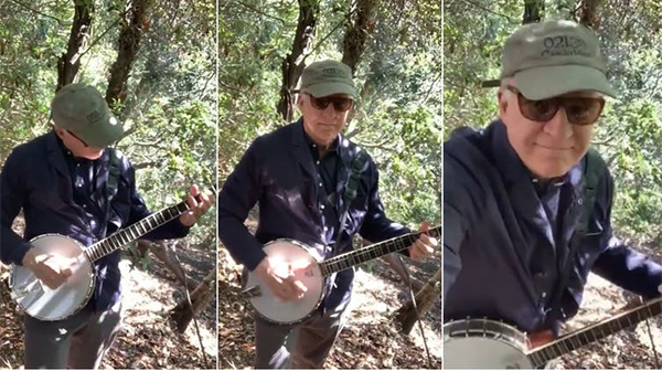 Steve Martin plays the banjo