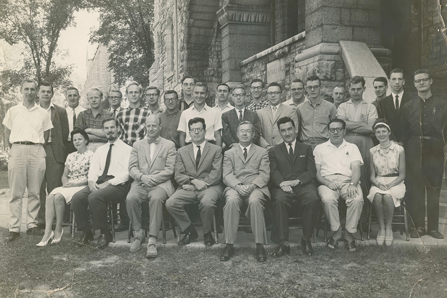 [photo of members of the Queen's physics department in 1962]