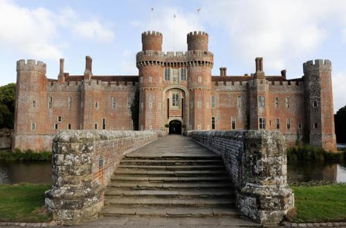 [photo of the Herstmonceux Castle by Richard Page]