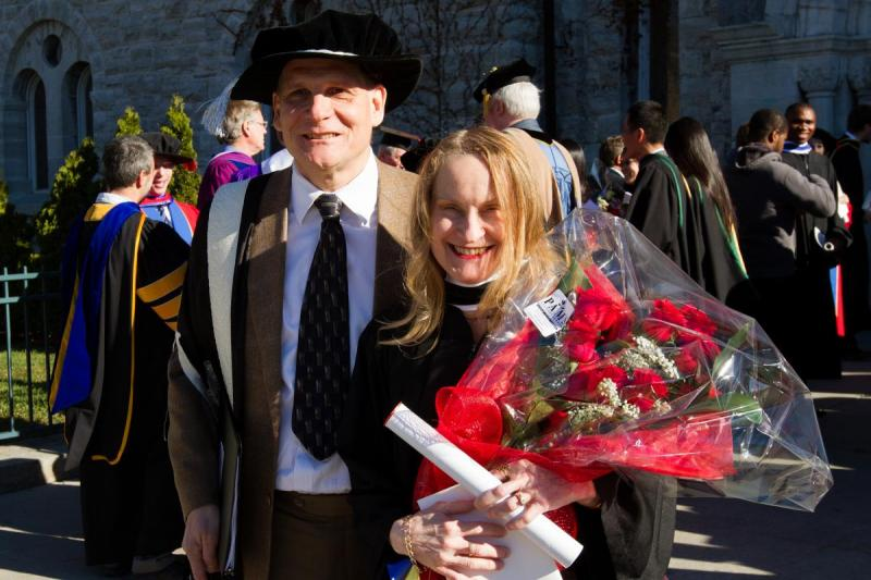 [photo of Daniel Woolf and Julie-Gordon Woolf at her convocation in 2015]