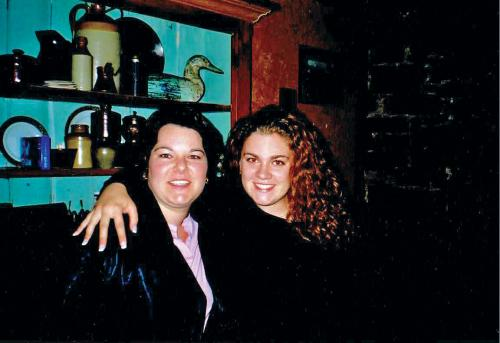 [photo of two female Queen's students 2001]