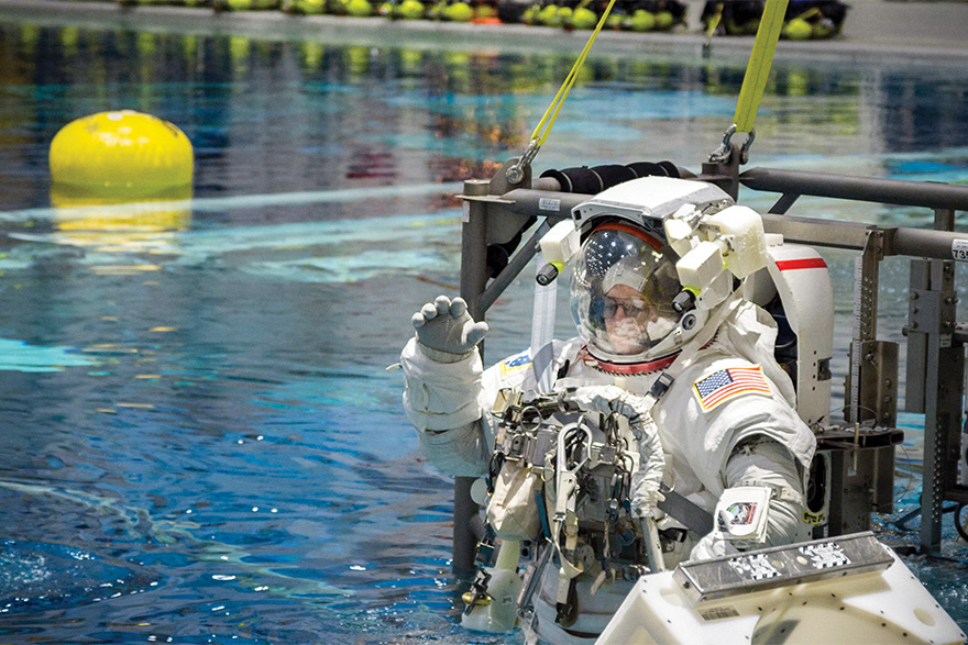 [photo of  astronaut Drew Feustel at NASA's Neutral Buoyancy Lab]