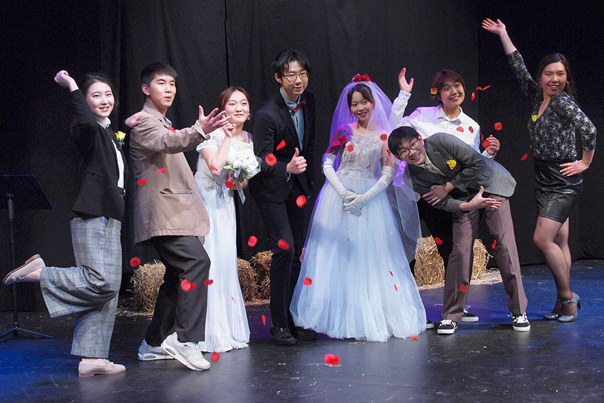 [photo of the cast of Rhinoceros in Love]