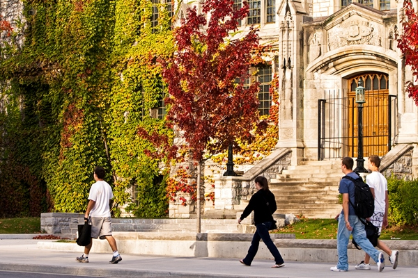Queen's holds position in Maclean's ranking