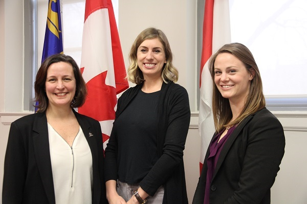 From left to right: Stéphanie Bélanger, Co-Scientific Director of the Canadian Institute for Military Veterans Health Research; Stéfanie von Hlatky, Director of the Centre for International and Defence Policy (CIDP); and Meaghan Shoemaker, PhD student with the CIDP have collaborated to create an engaging workshop for Canadian women veterans.