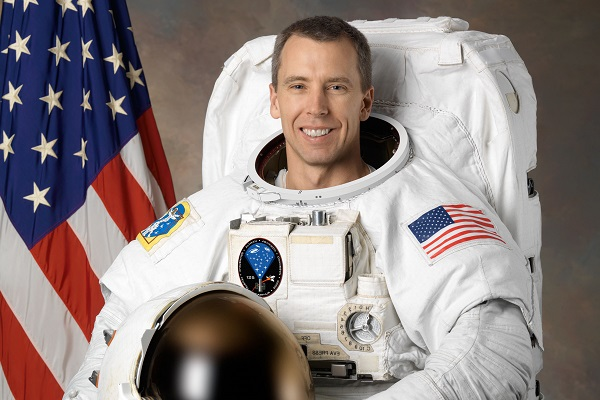 Alumnus returns to space with a scientific mission