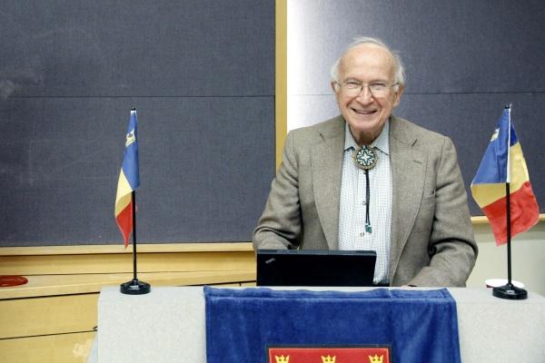 Nobel laureate explores connection between arts and science