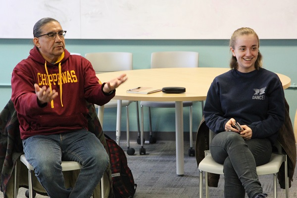 Mishiikenh (Vernon Altiman) leads an Anishinaabemowin class. (University Communications)