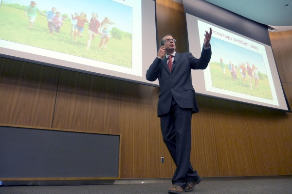 Queen's researcher presents annual Heart and Stroke Lecture