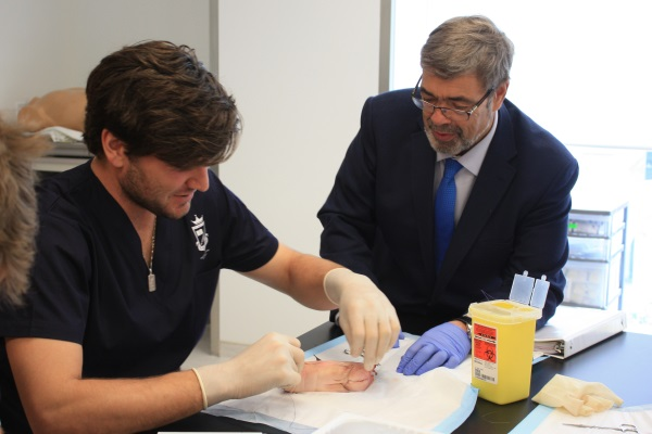 Medical students create hands-on surgical skills program