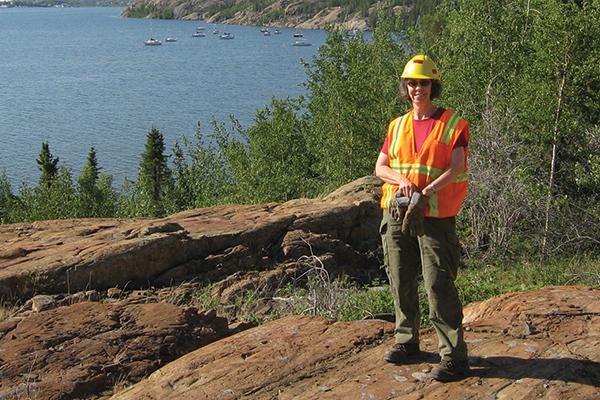 Queen's professor receives award from Women in Mining Canada