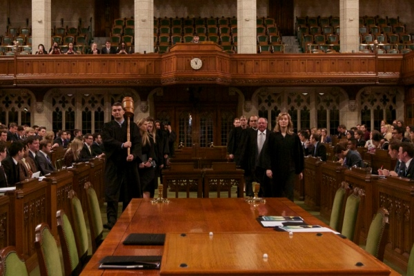 Queen's Model Parliament heading to the Hill