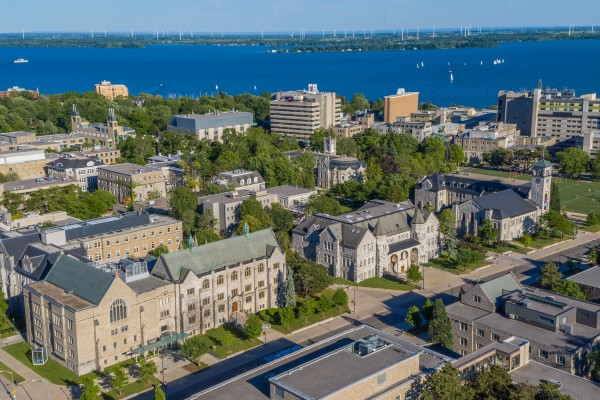 Queen's welcomes first Commitment Scholars