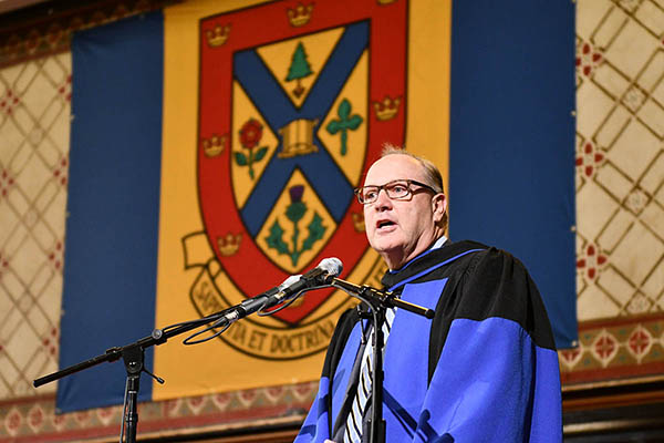 Bell CEO receives honorary degree from Queen's