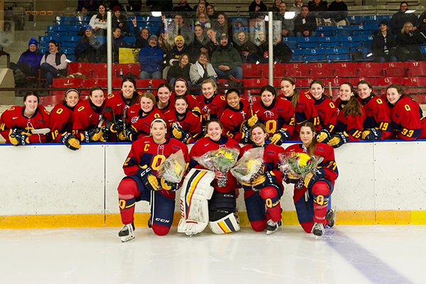 Gaels women's hockey team wins on Senior Night