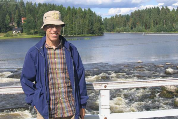 Researcher lends expertise to oil spills panel