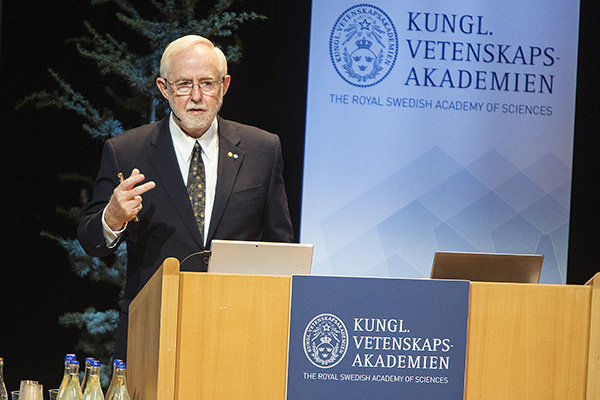 """Professor Emeritus and Nobel Laureate Arthur McDonald delivers the Nobel Lecture in Physics entitled """"The Sudbury Neutrino Observatory: Observation of Flavour Change for Solar Neutrinos."""" (Photo by Gunnar Seijbold)"""