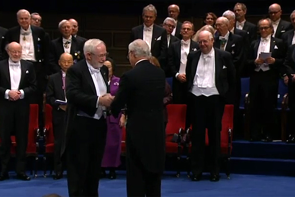 [Dr. Arthur B. McDonald receiving the 2015 Nobel Prize in Physics]