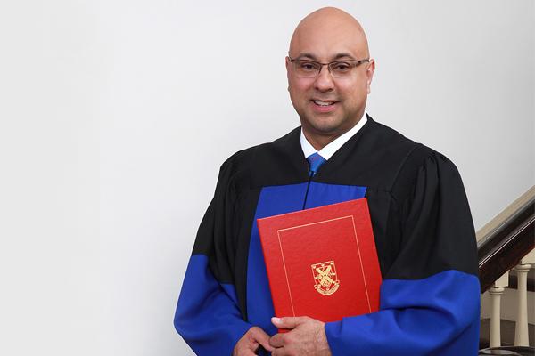 Renowned journalist Ali Velshi (Artsci'94) received an honourary degree on June 7. (Photo by Bernard Clark)