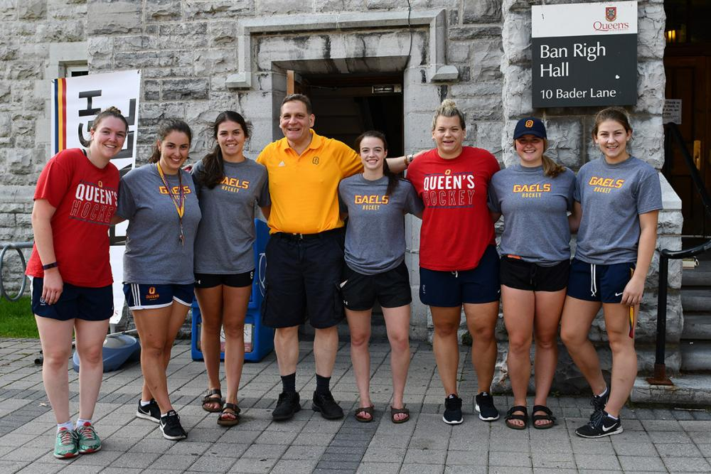 Principal Daniel Woolf met up with members of the Gaels women's hockey team on Move-In Day.