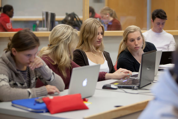 how to download microsoft office queens university