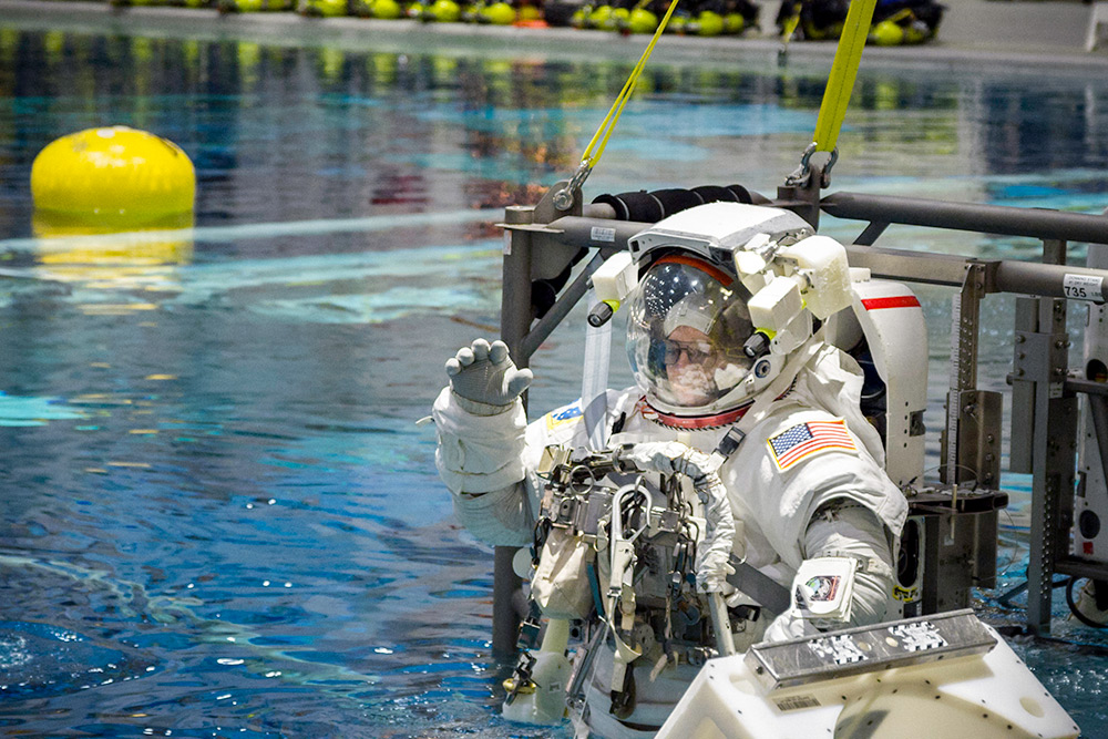 Alumnus astronaut safely arrives at International Space ...