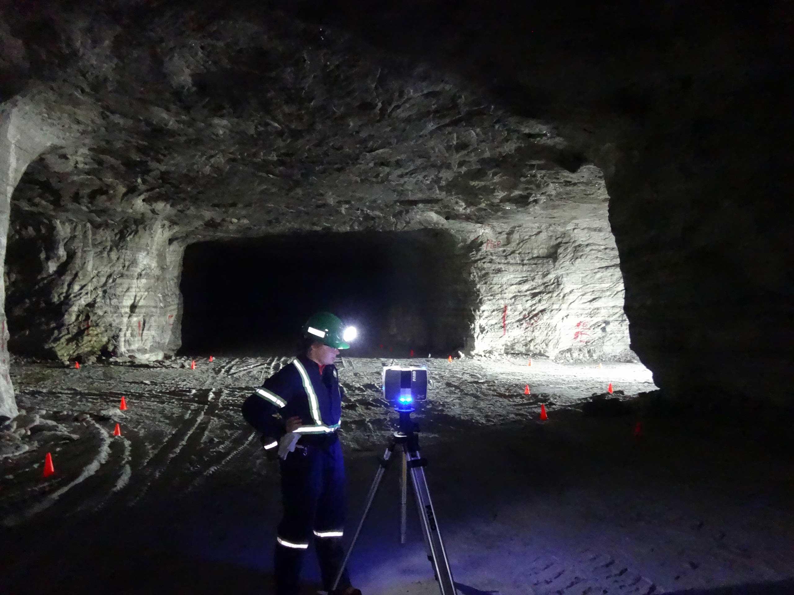 Salt Cavern Luminescence