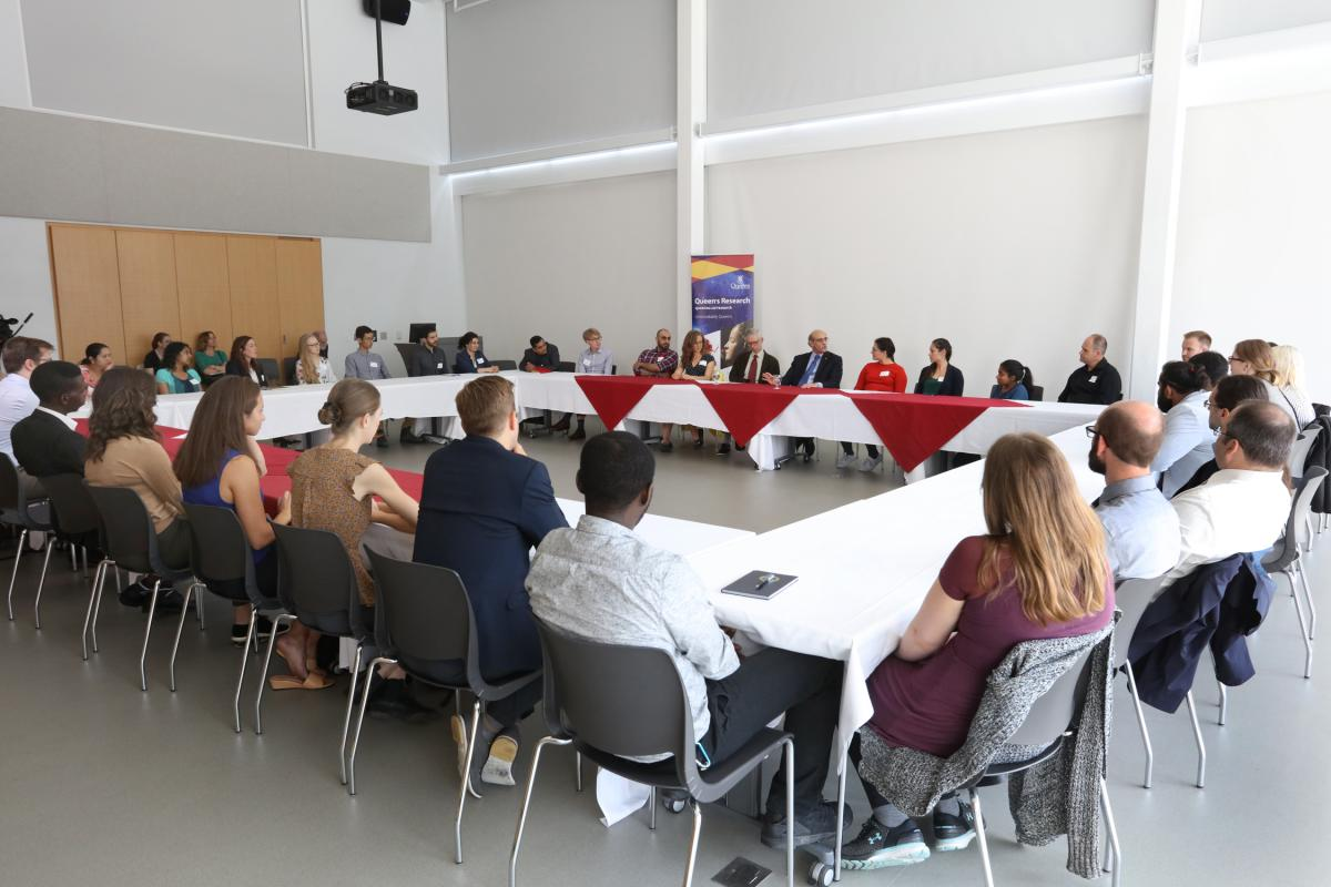 "Following the tours, Dr. Martin Chalfie met with a group of Queen's graduate students for an exclusive roundtable discussion on ""success and failure at the research frontier"""