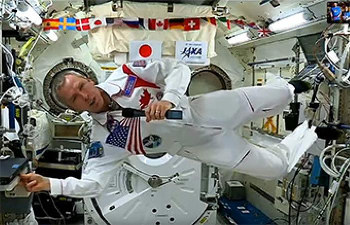 [Drew Feustel in space on board the ISS]