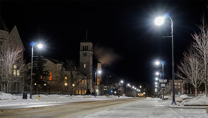 Quiet night on Queen's campus before reading week