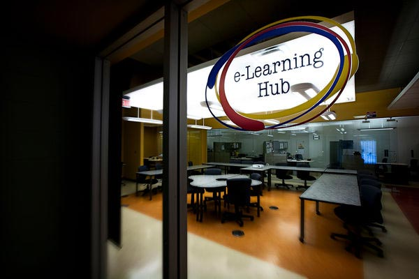 [photo of the E-Learning Hub in Duncan McArthur Hall]