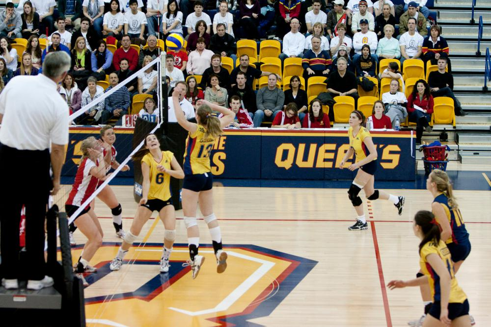 [Queen's women's volleyball team]